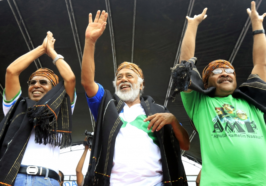From Left Taur Matan Ruak Current Prime Minister, Xanana Gusmao (Midle) Prezident of the newly Formed AMP has been nominated to be a new PM and Jose dos Santos Naimori the Main Councillor of KHUNTO party in together during 2018 Early Election Campaign