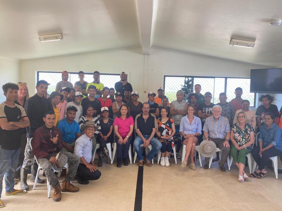 Traballadór Timor-Oan Sira Badinas Halo Empreza Australianu Haluan tán To'os