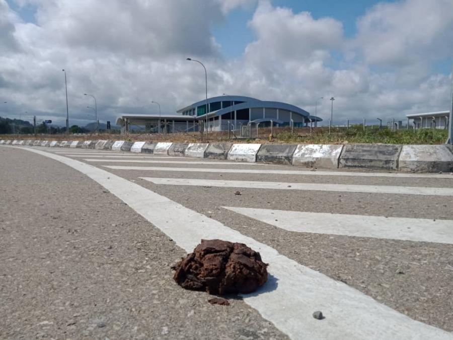 Karaun Teen Dezeña Aeroportu Internasional Xanana Gusmão